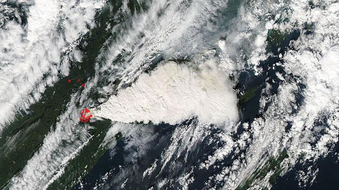 Groźna chmura powstała z pożaru
