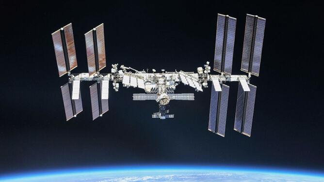 Dziś dwa przeloty Międzynarodowej Stacji Kosmicznej nad Polską. Jeden naprawdę długi