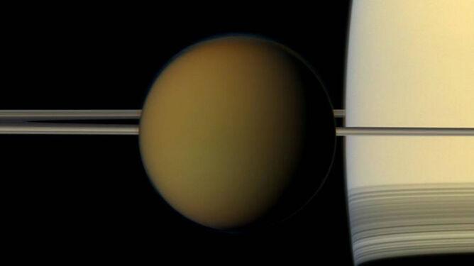 Zdjęcie Tytana, księżyca Saturna