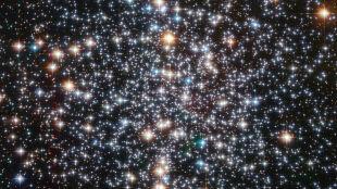 M4 w obiektywie Teleskopu Hubble'a