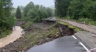 Droga numer 968 osunęła się do rzeki